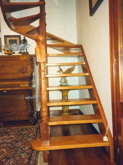 Escaleras rectas escalerasmazustegui - Escaleras de caracol de madera ...