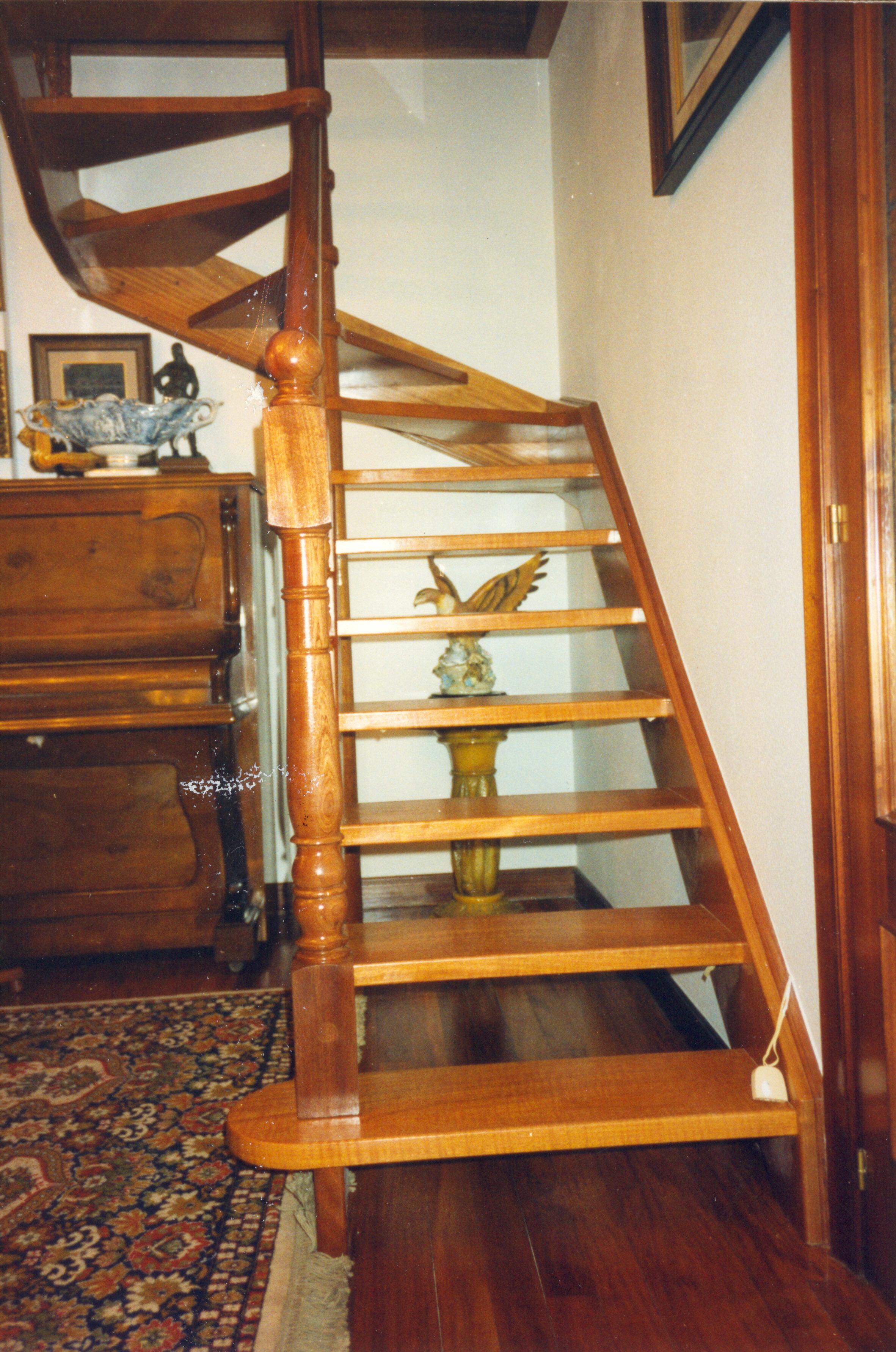 Escaleras a medida escalerasmazustegui - Medidas escaleras de caracol ...