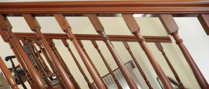 balaustrada de madera, barandilla de madera, balaustrada torneada, balaustrada para escaleras