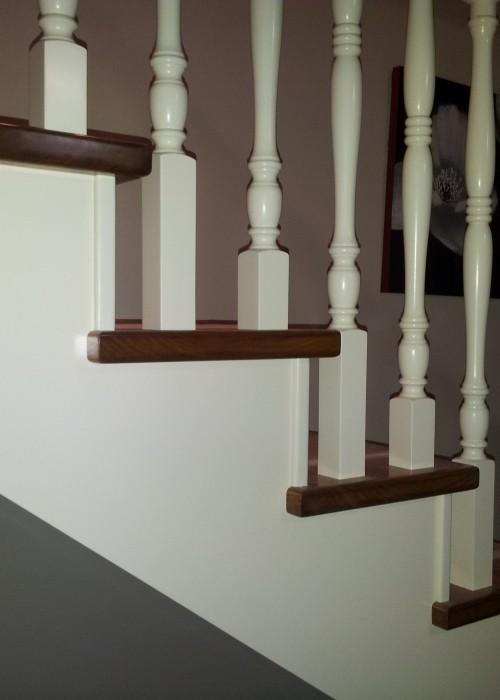 barandilla de madera, balaustrada de madera, barandilla lacada,balaustrada lacada